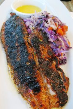 Blackened Red Fish With Quick Cabbage And Lemon Butter-Emeril Lagasse Creole Recipes, Cajun Recipes, Seafood Recipes, Yummy Recipes, Redfish Recipes, Chicken Etouffee, Blacken Fish, New Orleans Recipes, Recipes