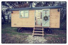 Dimpsey Shepherd's Hut - #glamping #shepherdshut