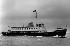 Ms Friesland (I) voer bij Doeksen van 1956-1988. Gebouwd in Nederland in opdracht van Doeksen en op dat moment het grootste passagiersschip van onze vloot. Voor het eerst waren geen stokers meer nodig, want de Friesland was een motorschip. In 1988 verkocht. Momenteel museumschip http://www.msfriesland.nl
