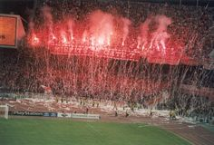 Olympiakos Ultras Football, World Of Sports, Red Stripes, Greece, This Is Us, Soccer, Quotes, Beauty, Sport