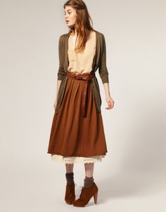 Cozy autumn style...love the color of this skirt