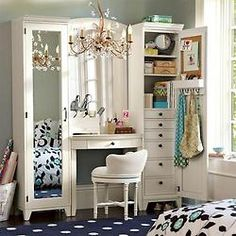 Love this teen girls room!