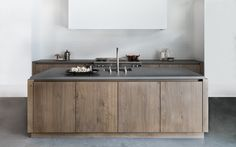 Gave keuken van Piet boon. Ceramic Signature tile - matte white | Piet Boon Kitchen | SIGNATURE
