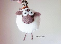 Giorgio la oveja fieltro llavero por MartianiQue en Etsy