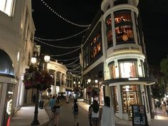 The Best West L.A. / Beverly Hills Date Ideas Westfield Century City, Memorial Park, Good Dates, Cool Bars, Santa Monica, Beverly Hills, The Best, Dating, Street View