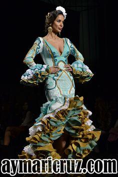 El Abanico de Velez (18) Spanish Design, Sea Colour, Tribal Fusion, Vintage Outfits, Vintage Clothing, Things That Bounce, Beautiful Dresses, Culture, Dance