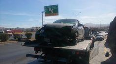 Choca contra camión y cerro luego de perder el control de su vehículo en el Juventud | El Puntero