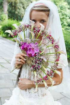 fan bouquet with calla lilies and orchids