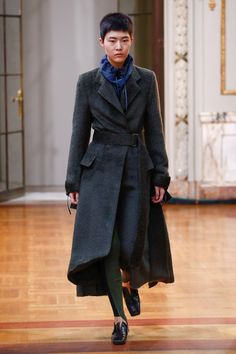 Victoria Beckham Fall 2018 Ready-to-Wear Collection - Vogue