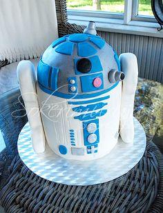 Sokerimuruja. R2D2 Cake for a Birthday boy!