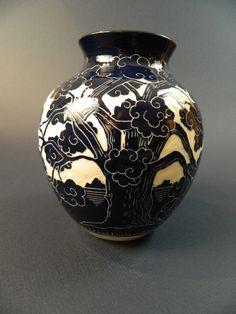 Live Oak Vase , Ken Tracy Pottery