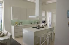 Love all the white and light Backsplash, Sweet Home, Table, Inspiration, Furniture, Home Decor, White Kitchens, Yellow Black, Dream Homes