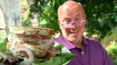 Zalmburger in een broodje