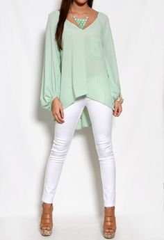 Flowy Top with Pocket & Button Back in pastel mint