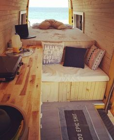 Living and traveling in a campervan can be really fun and exciting. If you are looking for guide and tips on camper living, check out our site. Kombi Trailer, Trailers, Camper Life, Camper Van, Campers, Office Interior Design, Modern Interior, Scandinavian Interior, Camping Con Glamour