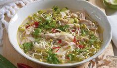Pre milovníkov ázijskej kuchyne: Vietnamská kuracia polievka | DobreJedlo.sk Cabbage, Soup, Meat, Chicken, Vegetables, Ethnic Recipes, Vietnam, Indie, Beef