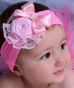 Discover thousands of images about faixa-para-bebe-flores-rosa-e-renda-flores-rosa Diy Headband, Baby Girl Headbands, Baby Bows, Ribbon Hair Bows, Diy Hair Bows, Fabric Flower Tutorial, Fabric Flowers, Making Hair Bows, Diy Hair Accessories