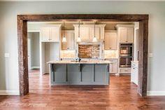 Farmhouse Style Kitchen, Modern Farmhouse Kitchens, Home Decor Kitchen, Craftsman Kitchen, Craftsman Living Rooms, Craftsman Style, Modern Craftsman, Open Kitchen And Living Room, Dining Room
