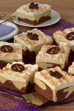 Marble cake with sour cream: Recipe for juicy cheesecake variation - Recipes - bildderfrau.de Marble cake with sour cream: Recipe for juicy cheesecake variation - Recipes - bildderfrau. Cupcake Recipes, Baking Recipes, Snack Recipes, Dessert Recipes, Dessert Food, Sour Cream Cake, Free Fruit, Marble Cake, Pumpkin Spice Cupcakes