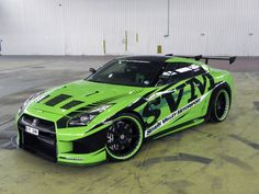 Modified Nissan GT-R 2010 Pictures ! A beautiful and Fabulous Nissan in Green Colour. Nissan Gtr R35, Gt R, Skyline Gtr, Nissan Skyline R35, Tuner Cars, Jdm Cars, Triumph Motorcycles, Sport Cars, Race Cars
