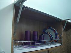 Casei, quero casa: Escorredor de louças dentro do armário