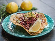 Tostada de pastrami do Fih Fernandes (Foto: Divulgação) Chefs, Tostadas, Tacos, Barbecue, Food Festival, Burger, Food Porn, Mexican, California