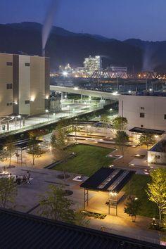 釜石大町商业休闲庭院 Kamaishi Omachi Plaza by studio on site Relaxing Places, Central City, Qingdao, Santa Monica, Will Smith, Swimming Pools, Public, Deck, Stairs