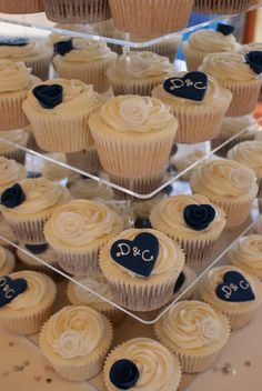Navy and Ivory wedding cupcakes   Cutting cake is chocolate …   Flickr