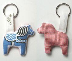 Favors - Dala horse keyrings