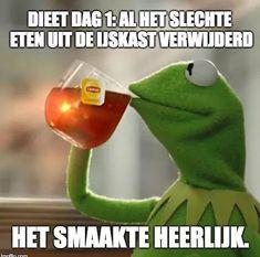 Memes Kermit The Frog Drinking Tea 51 Ideas Funny Dating Quotes, Dating Memes, Funny Memes, Hilarious, Jokes, Funny Guys, Funny Life, Stupid Funny, Frog Drinking Tea