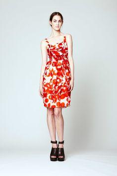 Vera Wang Resort 2012 Fashion Show - Laura Love