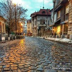Bucharest, Places To Visit, Mansions, Street, House Styles, Shops, Romania, Cafes, Sweet