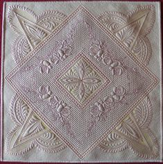 Whole cloth silk quilt featuring red roses on a brick wall. Awards, wall quilts Marlborough quilt show 2015 Longarm Quilting, Free Motion Quilting, Machine Quilting, Dublin Bay, Whole Cloth Quilts, Quilt Stitching, Quilt Designs, Brick Wall, Red Roses