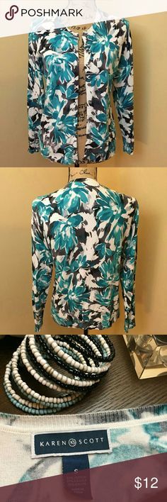 Karen Scott Printed Cardigan Sweater Karen Scott Printed Cardigan Sweater  Teal, Black and Grey abstract print Size SMALL  Pair over a solid print dress or with jeans! Kendra Scott Sweaters Cardigans