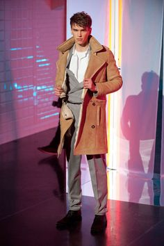JEAN PAUL GAULTIER AUTOMNE-HIVER 2013-2014 Paris Winter Trends, Fashion Lookbook, Jean Paul Gaultier, Men Fashion Show, Male Fashion, Man Skirt, Men Dress, Double Breasted Jacket, Fall Winter