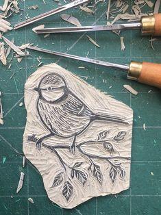 Lino Art, Woodcut Art, Linocut Prints, Stamp Printing, Printing On Fabric, Bird Prints, Artwork Prints, Blue Tit Tattoo, Printmaking Ideas