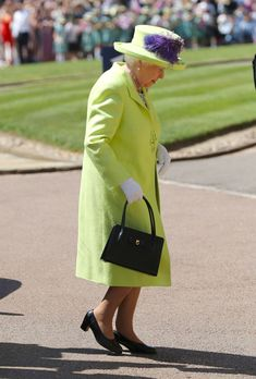 Queen Elizabeth in Stuart Parvin | Getty Images