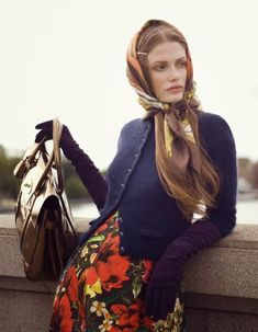 Head Scarf Tying, Looks Street Style, High Fashion, Womens Fashion, Style Fashion, Russian Fashion, Russian Style, Mode Vintage, Mode Outfits