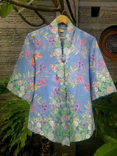 kebaya Batik Blazer, Blouse Batik, Batik Dress, Kimono, Kebaya Lace, Batik Kebaya, Kebaya Brokat, Simple Dresses, Nice Dresses