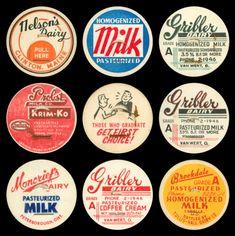 Vintage Graphic Design An extra tasty archive of vintage milk caps, courtesy of Ryan Arruda. Vintage Graphic Design, Retro Design, Graphic Design Inspiration, Vintage Designs, Vintage Art, Retro Packaging, Packaging Design, Branding Design, Logo Design