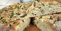 A Warm and delicious recipe for Italian rosemary focaccia bread. Italian Rosemary Focaccia Bread Recipe from Grandmothers Kitchen. Wheat Free Recipes, Gluten Free Recipes, Italian Bread Recipes, Rosemary Focaccia, Quick Bread, Bread Baking, Bread Food, Cooking Recipes, Cooking Ideas