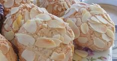 Almond Cookies, Confectionery, Baking Soda, Garlic, Snack Recipes, Chips, Food And Drink, Sweets, Cream