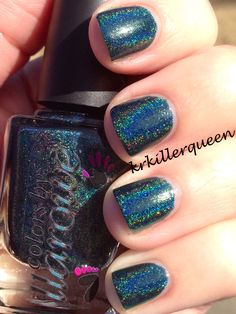Colors by Llarowe - Gizzards & Lizards. Two coats topped with SH DF. RB is what I'd call a sea green color, perhaps? Unique in my collection for sure. Another awesome holo from CbL. Another where application was tricky because of the thick, goopiness of the formula. Not horrible, but not ideal either. I really had to load up the brush to get a full swipe of color across the nail.