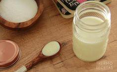 ¿Quieres preparar leche condensada en casa? Es fácil, rápido y el resultado es espectacular. Úsala en tus postres favoritos.