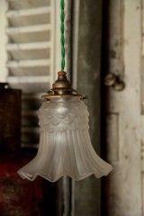 mettre l'ancienne lampe de Sart dans la buanderie <=> ok, fait, décembre 2014