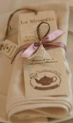 """matrimonio """"Alice nel paese delle Meraviglie"""": ill menu/segnaposto"""