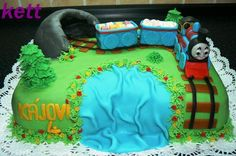 For my boy! In love with this cake, so cute!