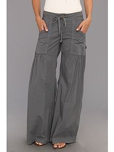 Wide pants: Quite possibly, the best pant EVER made! XCVI Will. Fashion Pants, Look Fashion, Fashion Outfits, Comfy Pants, Leggings Are Not Pants, Looks Style, My Style, Mode Hippie, Cool Outfits