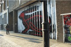 Lenticular StreetArt Piece by Roa (7 Pictures plus Clip)