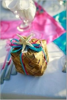Mini Palm box for wedding favors Beach Wedding Favors, Wedding Gifts, Plan My Wedding, Wedding Ideas, Bamboo Box, Coast Style, Gift Wrapping, Wrapping Ideas, Wedding Planner